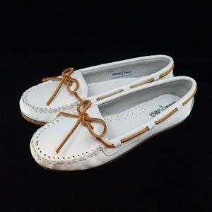 Minnetonka Leather White Shoes 6 - New